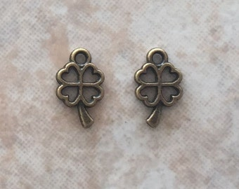 10x6x1mm Alloy Metal Four Leaf Clover Charms in Antique Bronze Color (ch4)