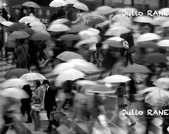 Digital download: Umbrellas in Tokyo, Japan photography. Movement photography. people photo.