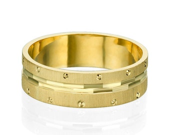 6mm Multi Facet Center Channeled Screw Pattern Wedding Ring Yellow Gold