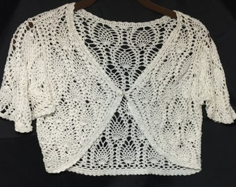 Price Reduced!!Vintage Womens White Crocheted Bolero/Shrug with Cap Sleeves Size Small