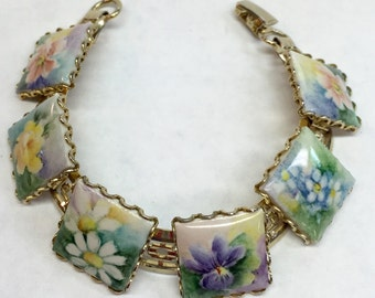Link bracelet with handpainted flowers