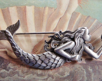 JJ Jonette Swimming Mermaid Holding Pearl Brooch Pin