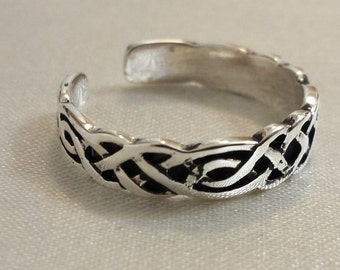 Adjustable Celtic Ring - .925 Sterling Silver - Toe Ring or knuckle ring