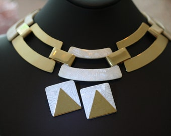 Classic Mid Century Modern Demi Parure in Goldtone and Snakeskin Lucite.