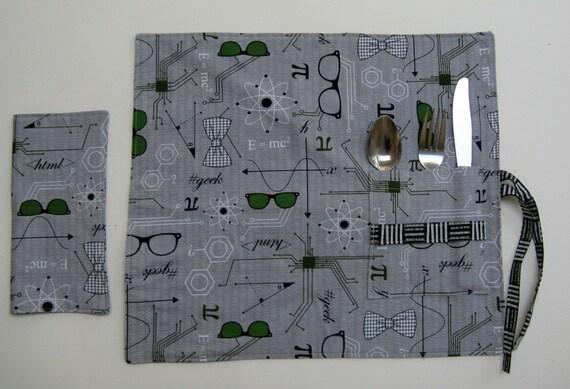 napperon de pique nique avec ustensile poche et serviette de. Black Bedroom Furniture Sets. Home Design Ideas