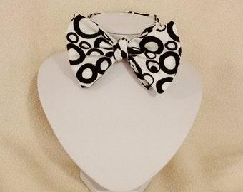 Adjustable Bow Tie - Black Circles