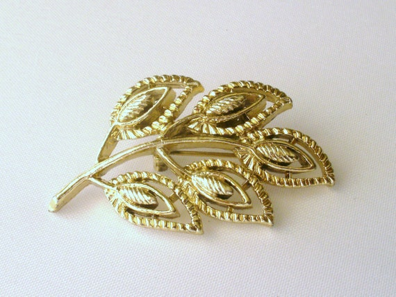 leaf pin leaf brooch gerrys jewelry goldtone pin vintage