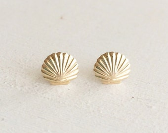 Sea Shell Post Earrings - Tiny Shell Earrings - Everyday Jewelry - Bridesmaid Gift - 14kt Gold Filled