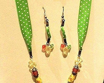 Rose Lampwork Bead and Swavorski Crystal Necklace and earrings