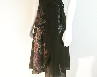 80s Floral wrap skirt
