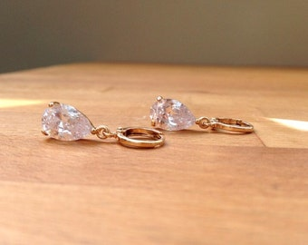 Stunning 18K gold plated cubic zirconia teardrop earrings
