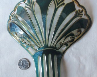 A Superb Spanish Comb