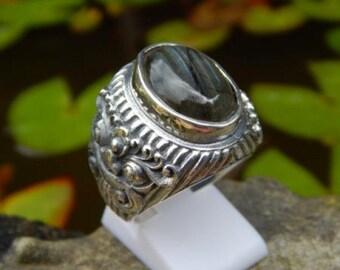 Silver ring motif labradorite stone boma