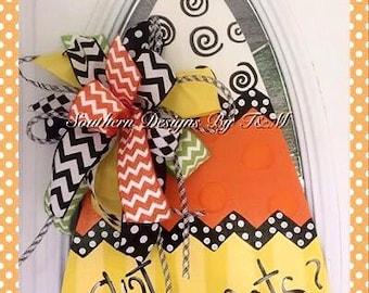 Candycorn door hanger, fun candycorn door decor, Halloweeen decor
