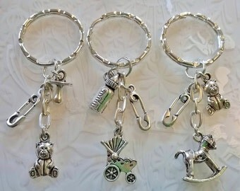 Baby shower gifts~new baby~Baby shower favour keyring~christening~simple baby keyring