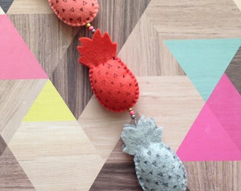Mobile, pineapple (Pineapple), orange/grey (Orange/Grey), 32 cm long (length), 4 cm wide (wide)