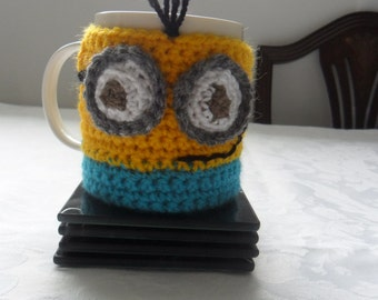 Crocheted minions mug cozy by Liz