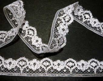 White Scallop Raschel Lace Trim for Dress making , Clothing 1/2 inch /  13mm width L253