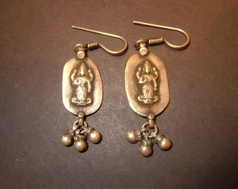 Vintage silver earrings from India, 35 mm long, 9 gms.