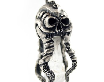 Octopus necklace, octopus pendant, cthulhu necklace, skull necklace, occult jewelry, crystal point, hp lovecraft, skull pendant