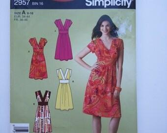 V neck dress / sleeveless / summer / empire waist dress /2008 sewing pattern, Size 8 10 12 14 16 18, Bust 31 32 34 36 38 40, Simplicity 2957