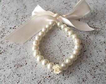 Childrens pearl bracelet, Flower girl ivory bracelet, flower girl gift, infant jewelry, wedding jewelry, kids jewelry, flower girl jewelry