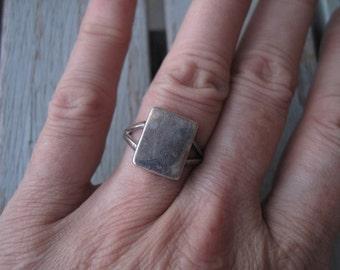 Rectangle split-shank ring -- 248