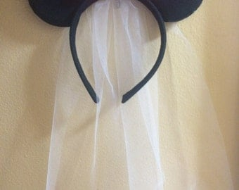 Minnie Mouse Ears with Red Bow & Veil headband, Minnie Mouse Props, Minnie mouse costume, Disneyland Trip, party favor
