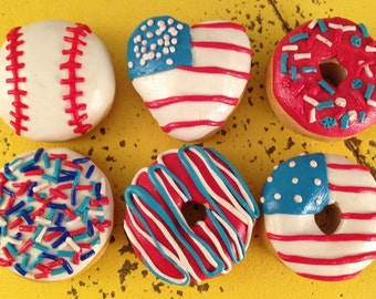 4th of July patriotic donuts!-polymer clay creations for 18 in dolls! (American Girl, Our Generation)