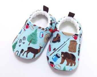 Baby Shoes, Soft Sole Baby Shoes, blue Baby Booties,Toddler slippers,Cloth Baby Shoes, Baby Shower Gift, camping slippers, bear, hiking
