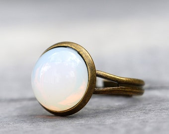 Moonlight - delicate and elegant ring