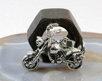 Chopper, bike, silver pendant  --  2477