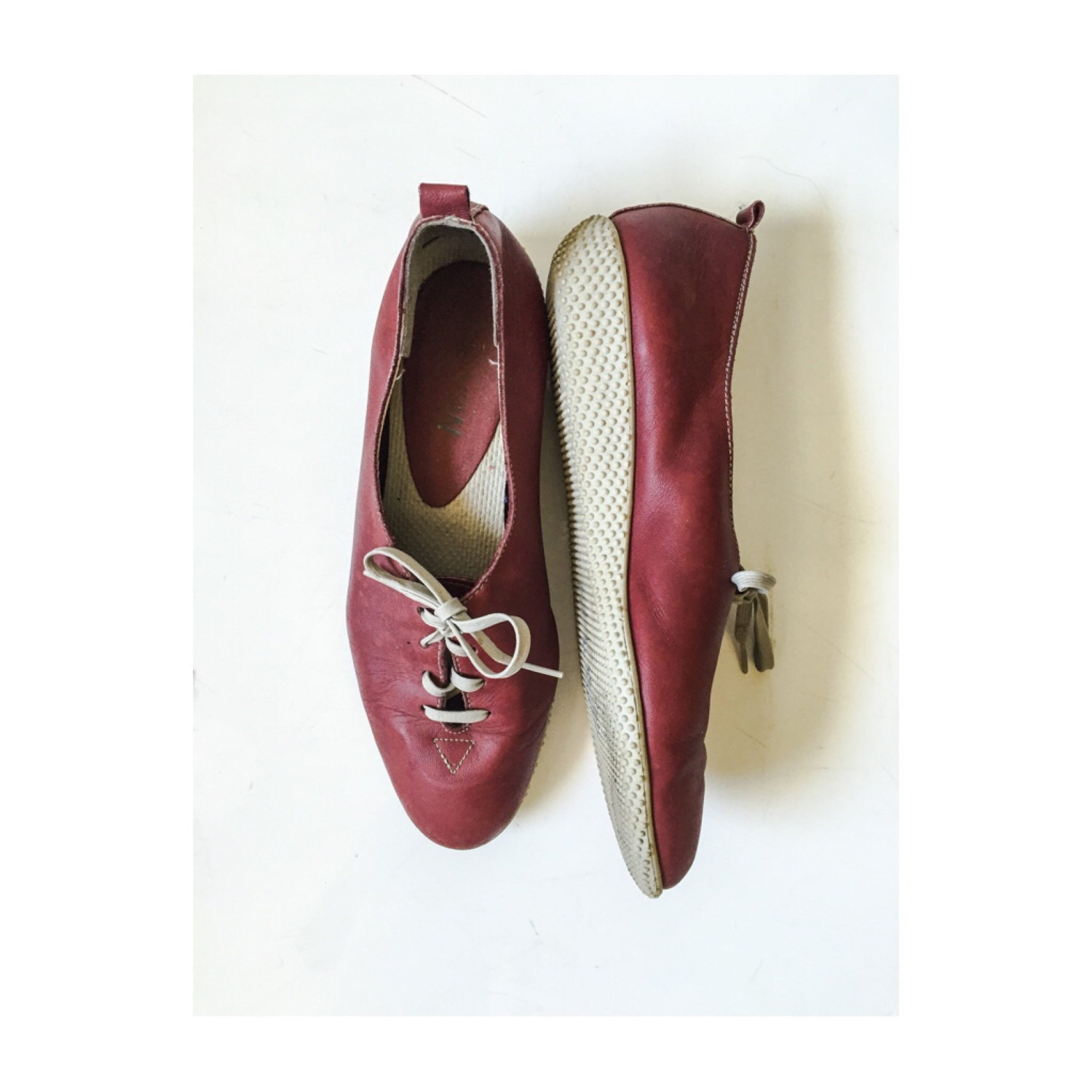 vintage maroon and white tennis shoes by selby vintage