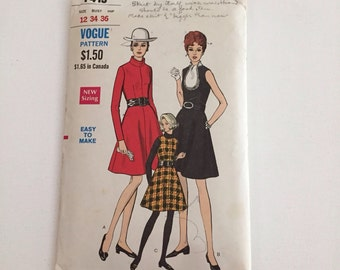 1960's Vintage Vogue Sewing Pattern 7419 Easy to Make Dress