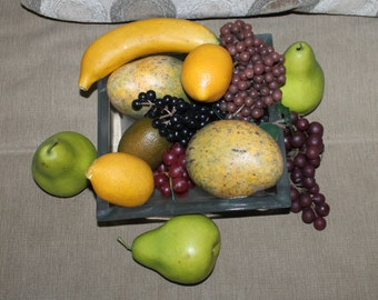 Decorative Quality Fruit, Centerpiece, Lots of Fruit, Lots of Grapes, Lemons, Banana, Mango, etc., Home Decoration, Dining Room Decoration