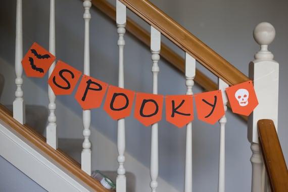 SPOOKY Halloween banner, bats, skull