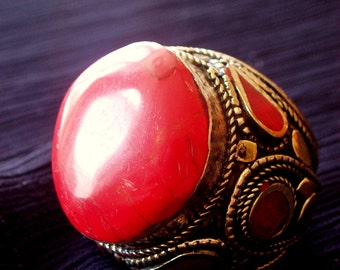 Beautiful vintage coral Kuchi tribal statement ring