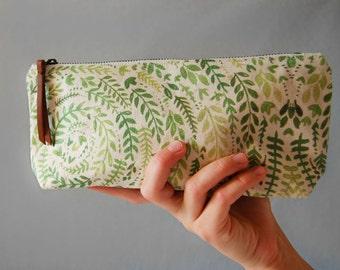Leaf Pattern Pouch Medium