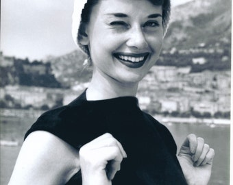 Black and White Photo of Audrey Hepburn   Golden Age of Hollywood   Breakfast At Tiffany's   Sabrina   My Fair Lady