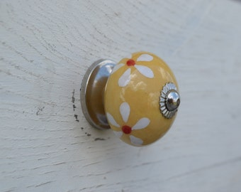 Hand Painted Yellow Flower Drawer Knobs with White Daisies on Silver Hardware, Nursery Decor, Bathroom Knobs, Kids Knobs