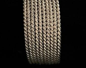 A Beautiful Silver Cuff Bracelet      VG1755