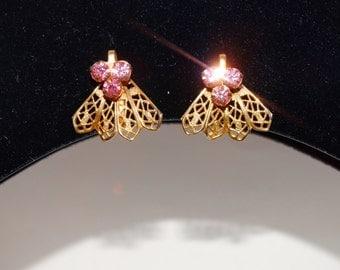 Vintage Gold tone Pink Rhinestone Screw back Earrings.