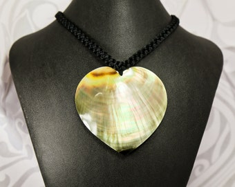 Simple heart shaped mother of pearl shell necklace