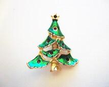 Gold Toned Enamel Christmas Tree . Era 1960 . Enamel . Broch . Stocking Stuffer . Gifts