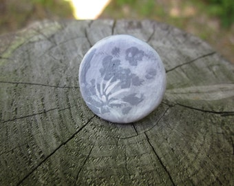 Full Moon Pin