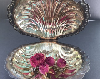 Sheffied Silver Plate Clamshell
