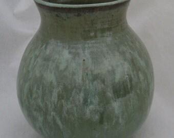 Green Wheel Thrown Vase, Handmade Pottery Flower Vase, Sage Green Stoneware Urn