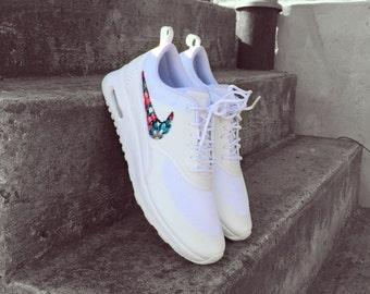 Nike Thea Flower