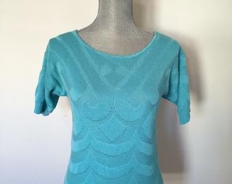 S 80's Aqua Sweater Knit Shirt Round Neckline Short Sleeves Size Small