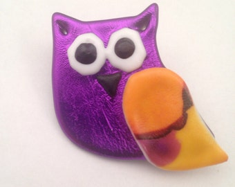 Purple tie dye owl pin, purple owl pin, tie dyed owl jewelry